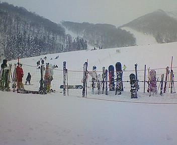 雪山に来てます